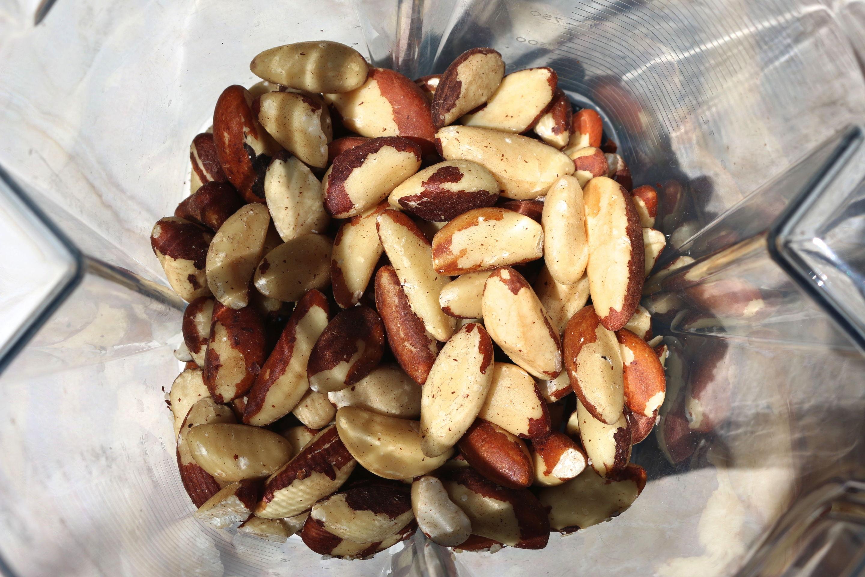 Brazil nuts blender